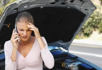 lady_about_to_tow_upset-1